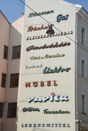 Schriftzugwand Kleine Sperlgasse Wien (2)